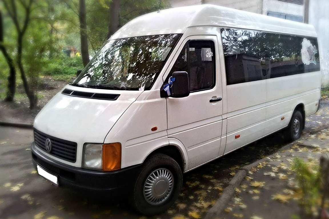 AvtobusVolkswagenLT18mest01