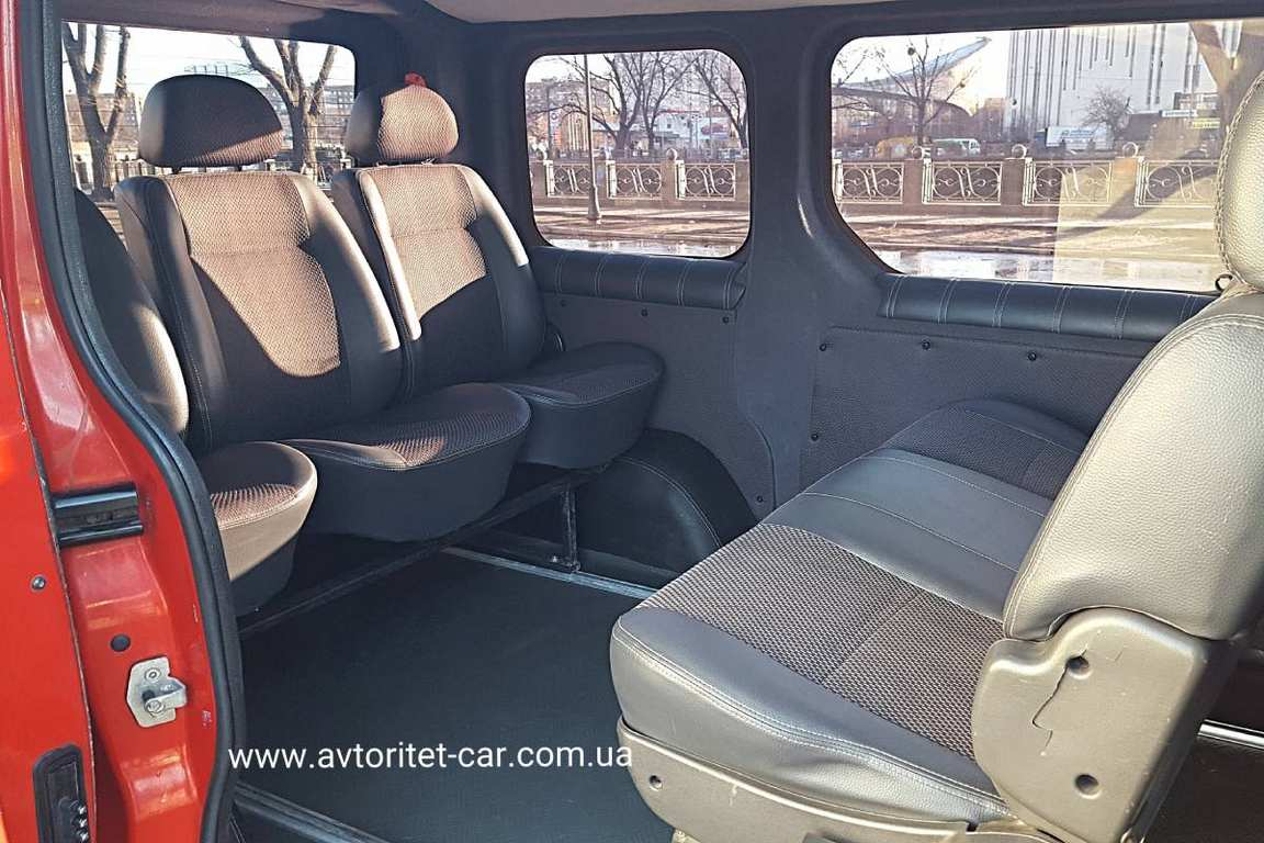 MikroavtobusRenaultTrafic03