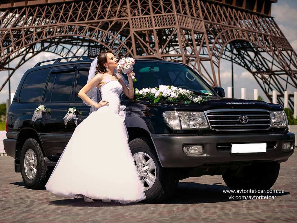 ToyotaLandCruiser10056